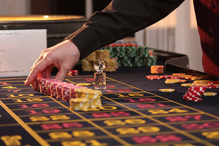 Online Casino Games - Luck Vs. Skills - Gambling
